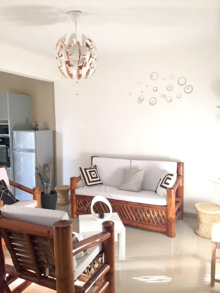 Apartment With 2 Bedrooms in Le Gosier, With Enclosed Garden and Wifi