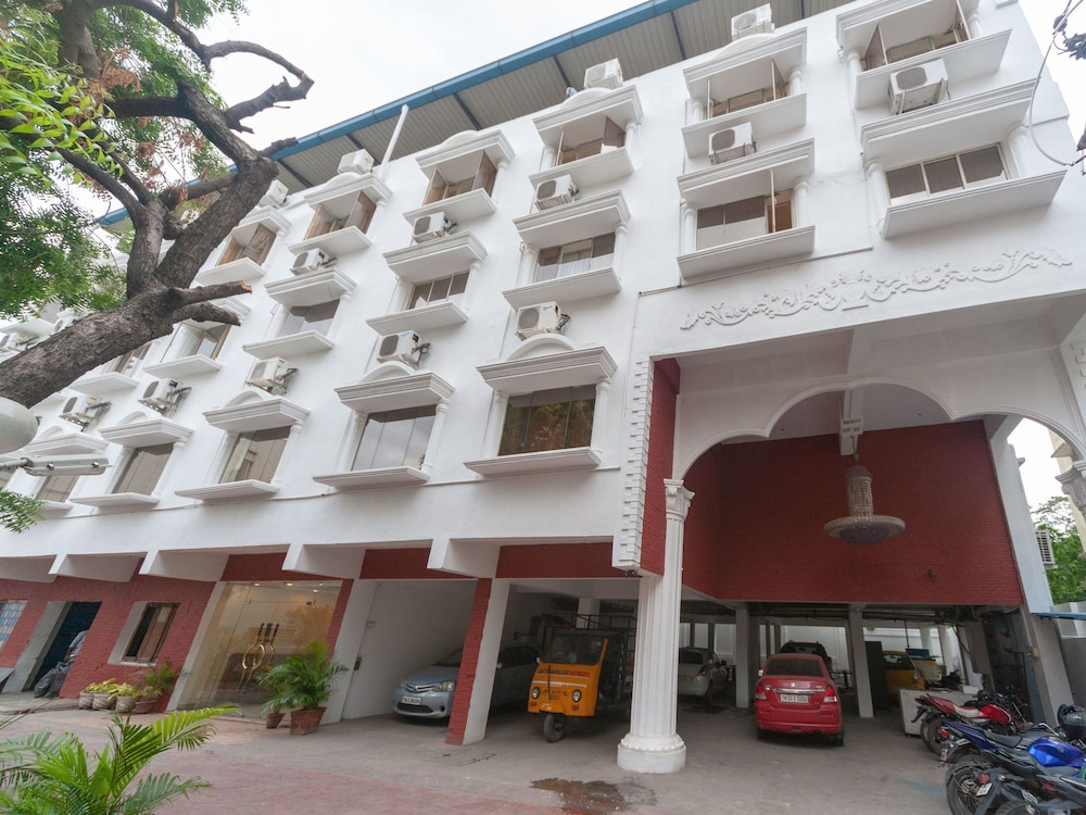 OYO 15972 Bhimaas Corporate Residency
