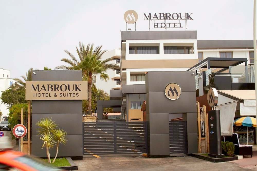 Mabrouk Hotel And Suites
