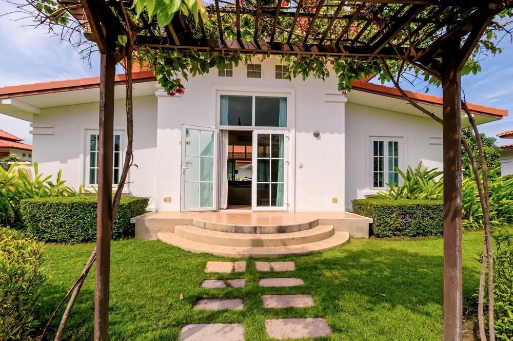 2 Bedroom Villa at Banyan Resort BR098