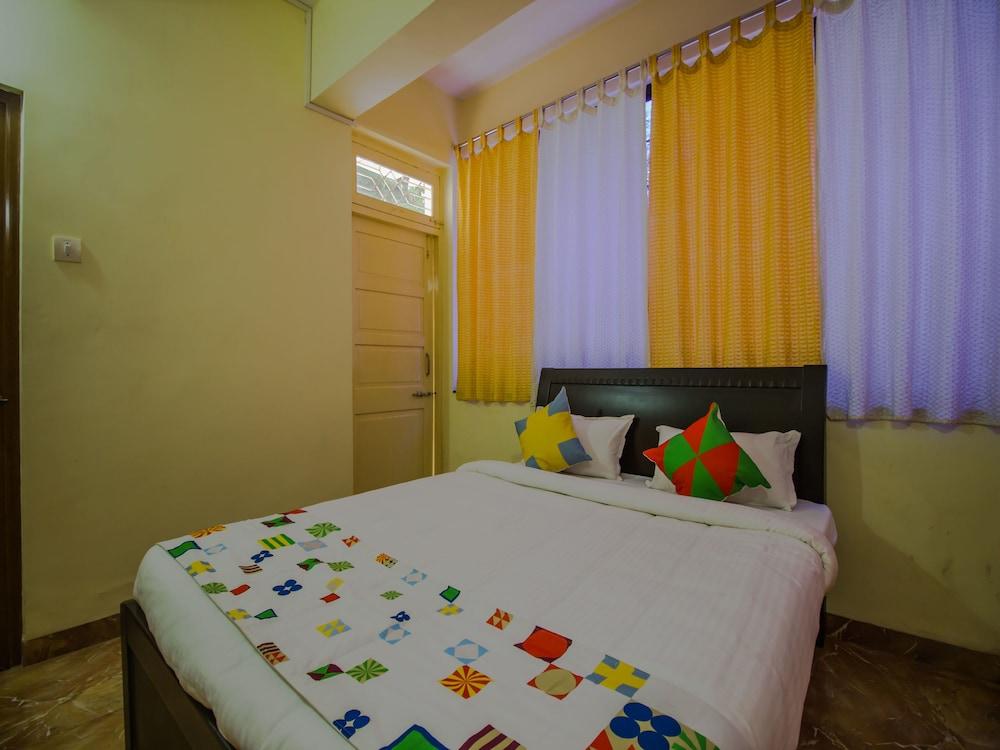 OYO 14034 Home Elegant 2BHK Miramar