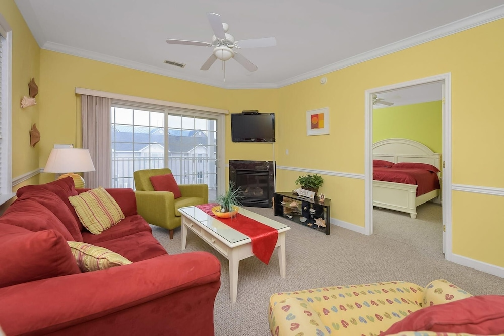Sea Bright 206 Minium 3 Bedroom Condo