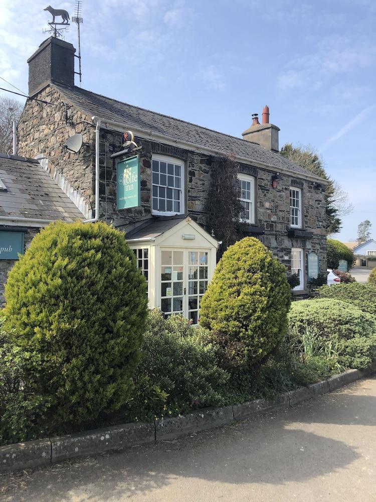 The Wolfe inn