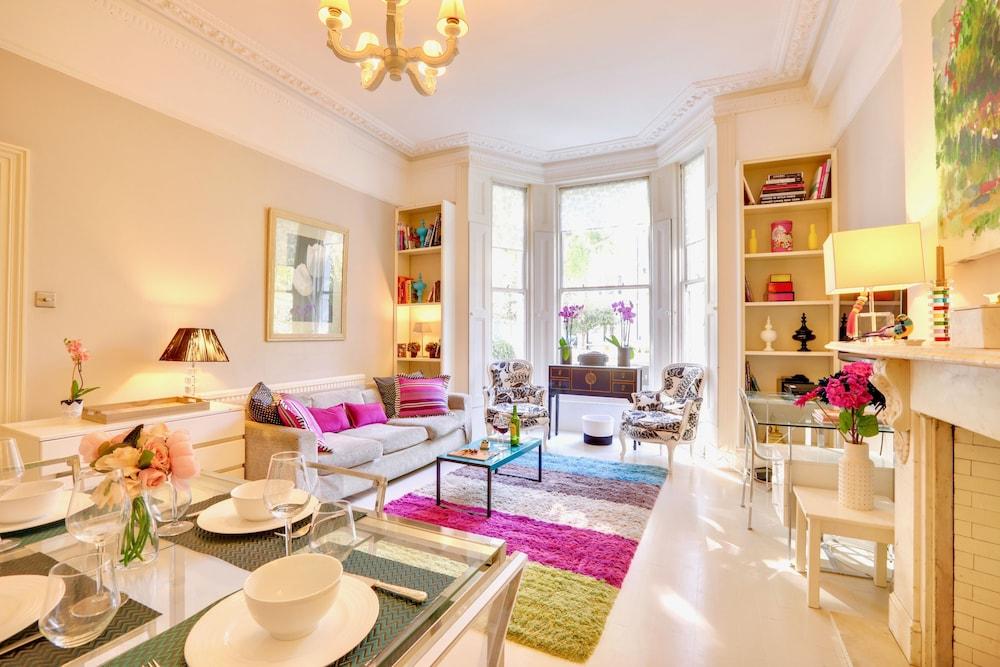 Stylish Kensington Living