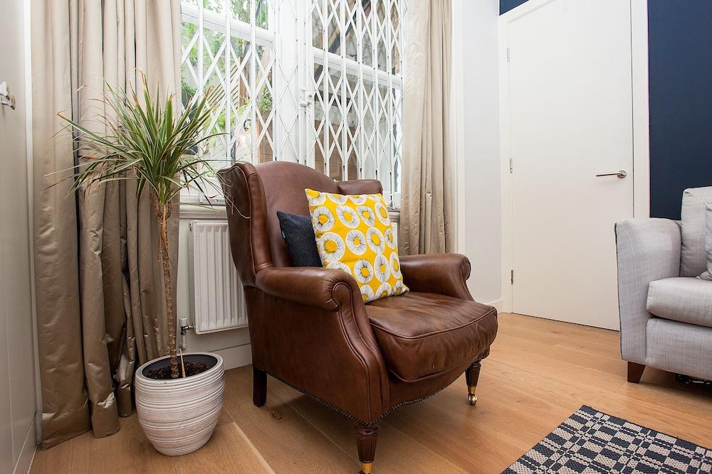 1 Bedroom Garden Apartment Near Gloucester Road Station