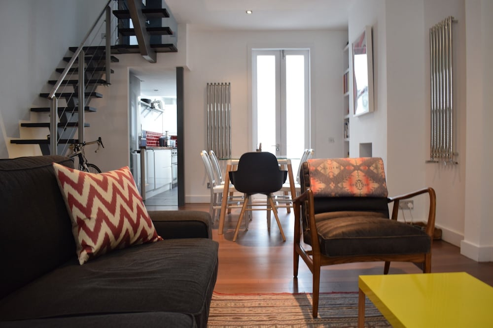 2 Bedroom House In Notting Hill