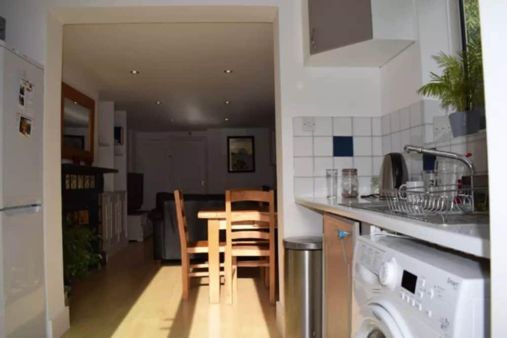 2 Bedroom Apartment Near Clapham Common