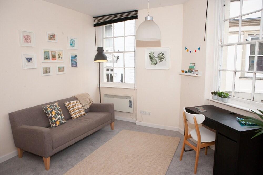 1 Bedroom Apartment in Central Bristol