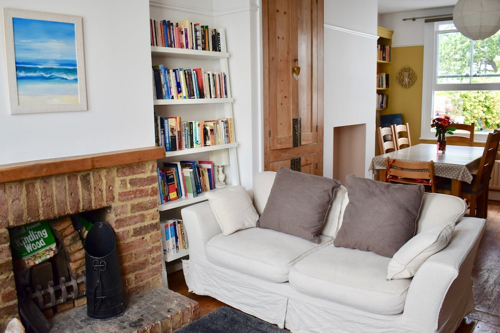 Spacious 3 Bedroom Home in Brighton