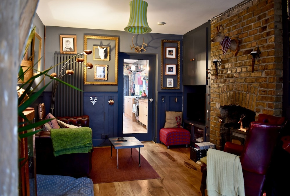 Quirky 2 Bedroom House in Dublin