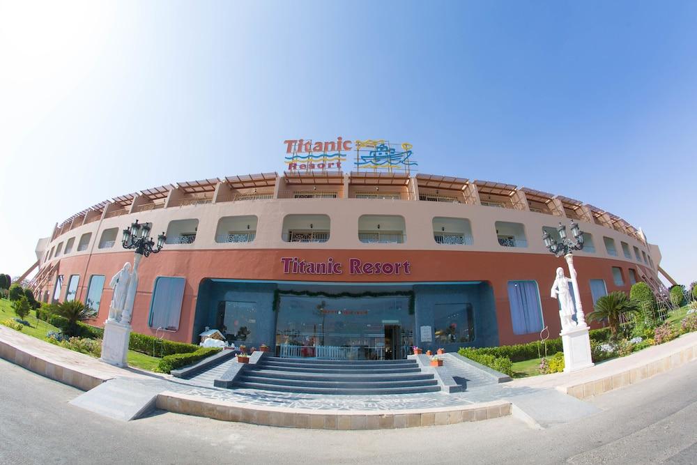Titanic Resort and Aqua Park - All Inclusive