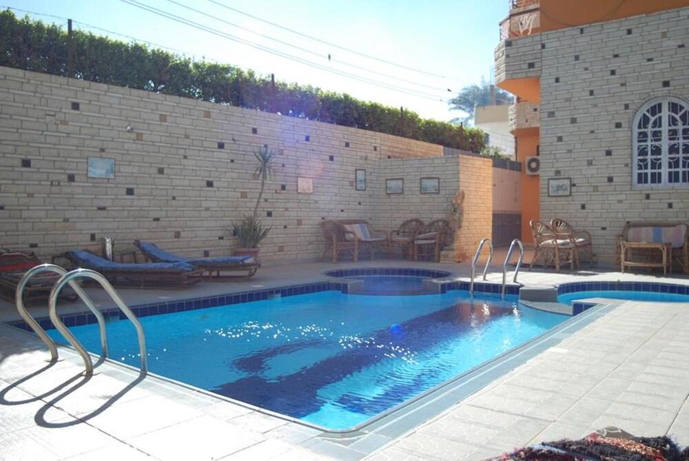 Al Gezera Apartments