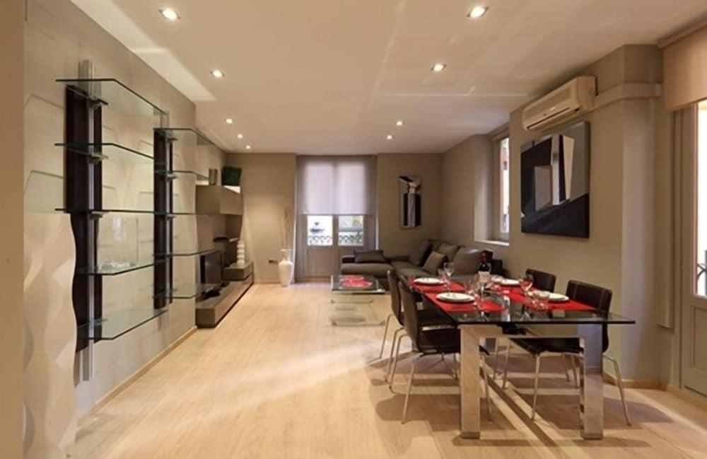 Flatsforyou Sorolla House