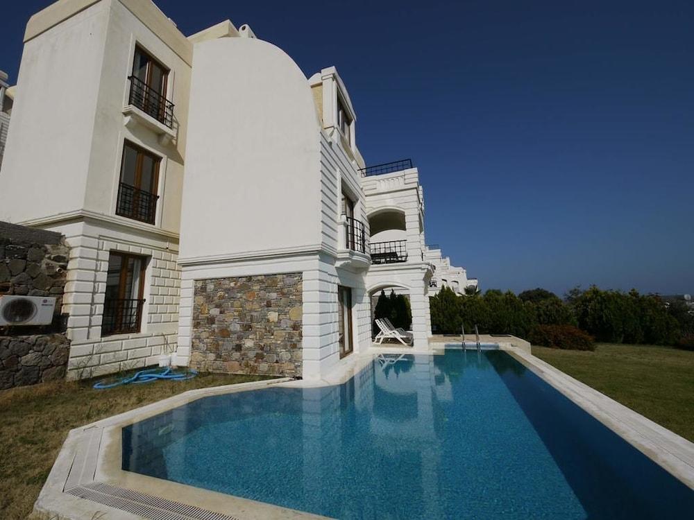 Elegant Villas 2 3