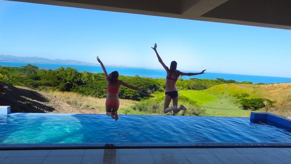 Fiji Luxury Pool Villa 2