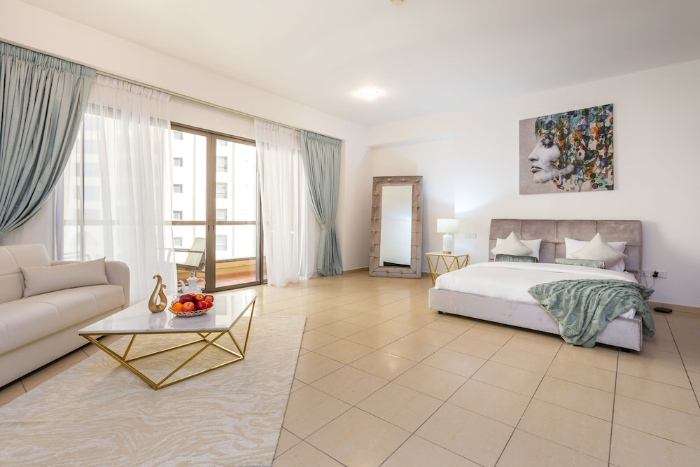 Rimal-3, JBR by Deluxe Holiday Homes
