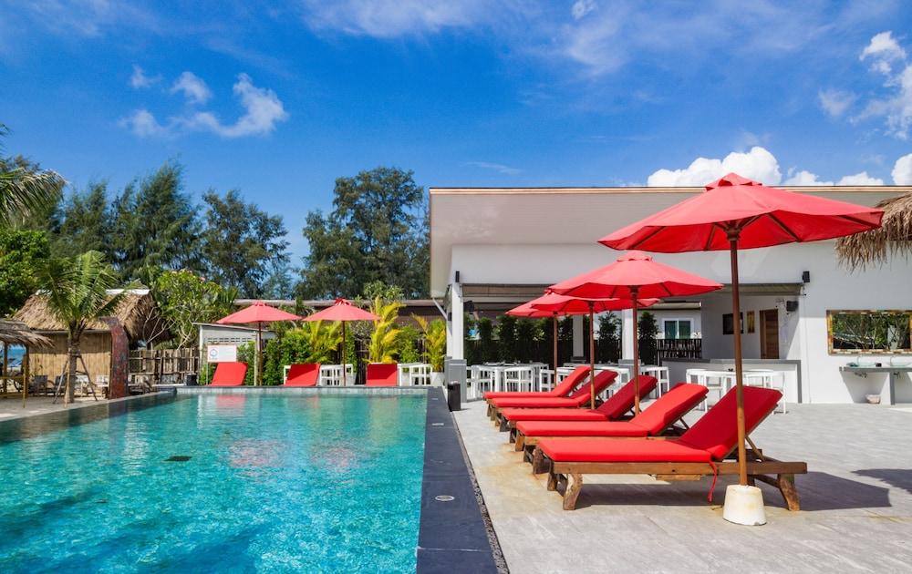 la plage resort & beach club