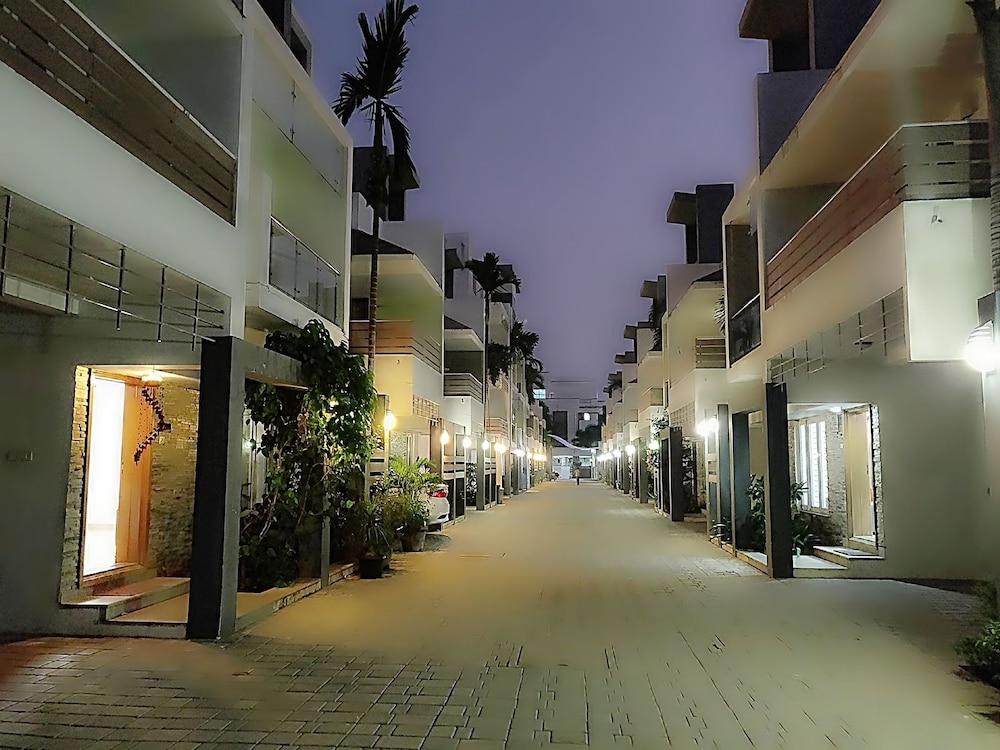 Swarna Sudarshan Service Apartments