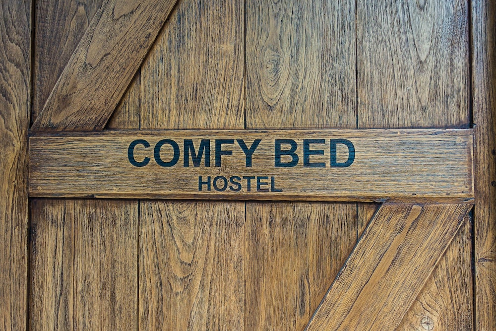 Comfy Bed Hostel - Adults Only