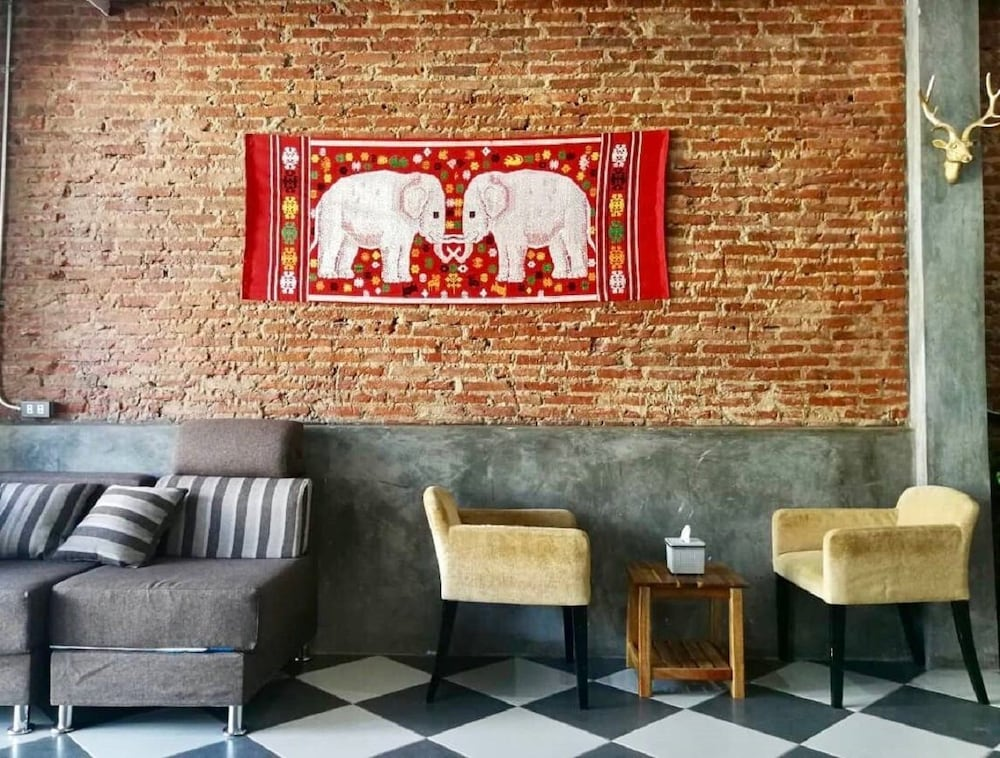 Lao Huk Bed and Cafe - Hostel