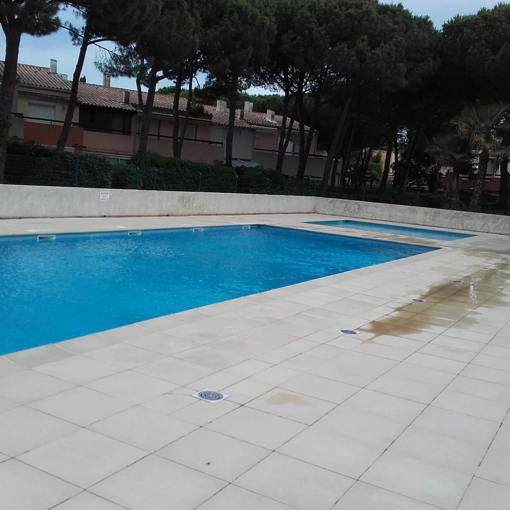 Apartment With one Bedroom in Agde, With Pool Access and Enclosed Gard