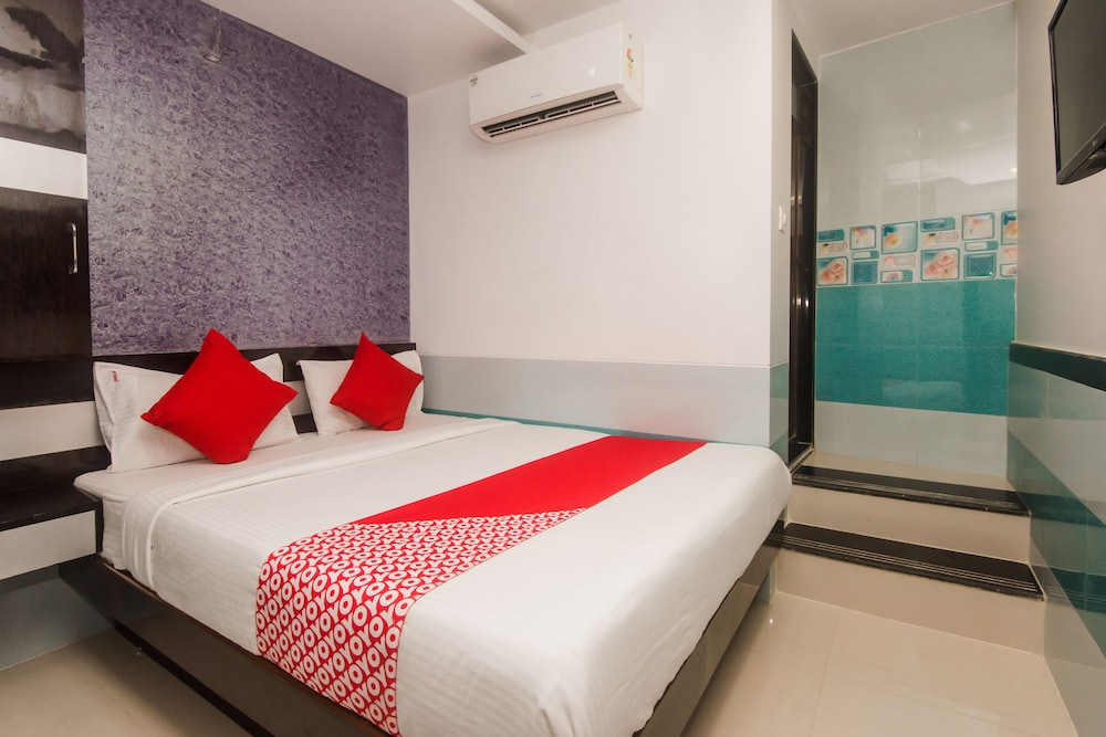 OYO 24504 Sion Residency