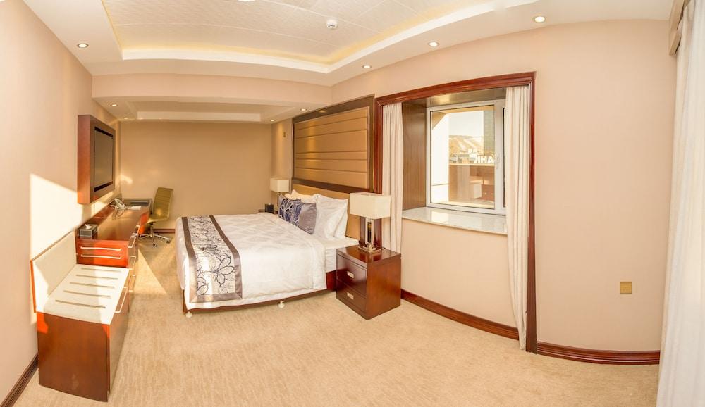 Zuchi Hotel