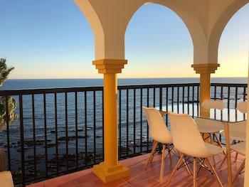 Apartment on the beachfront (1064636448) photo