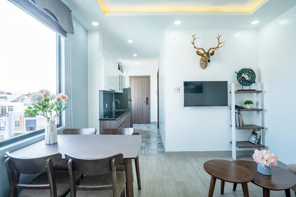 7S Hotel Hoang Anh & Apartment