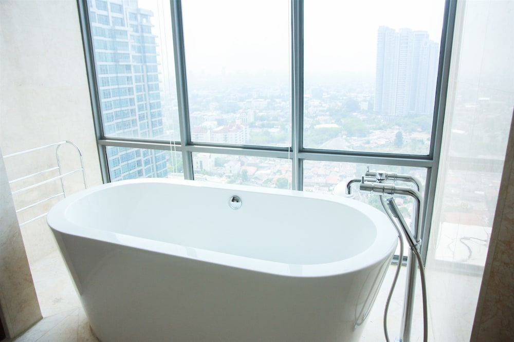 Luxurious 4BR Essence Dharmawangsa Apartment