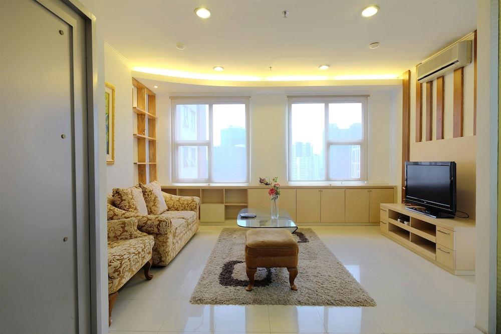 2BR Casablanca Mansion Apartment near Mall Kota Kasablanka and Setiabu