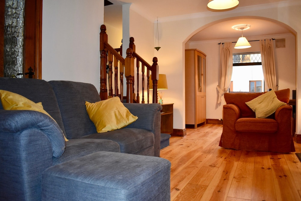 Traditional 2 Bedroom House in Dublin City Centre