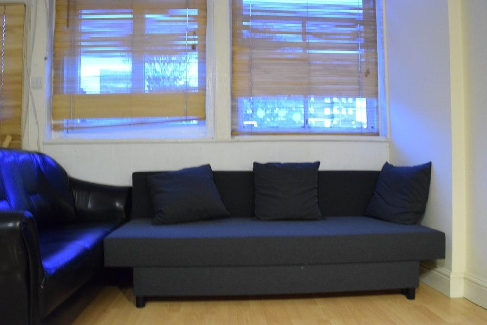 Cosy 1 Bedroom in East London