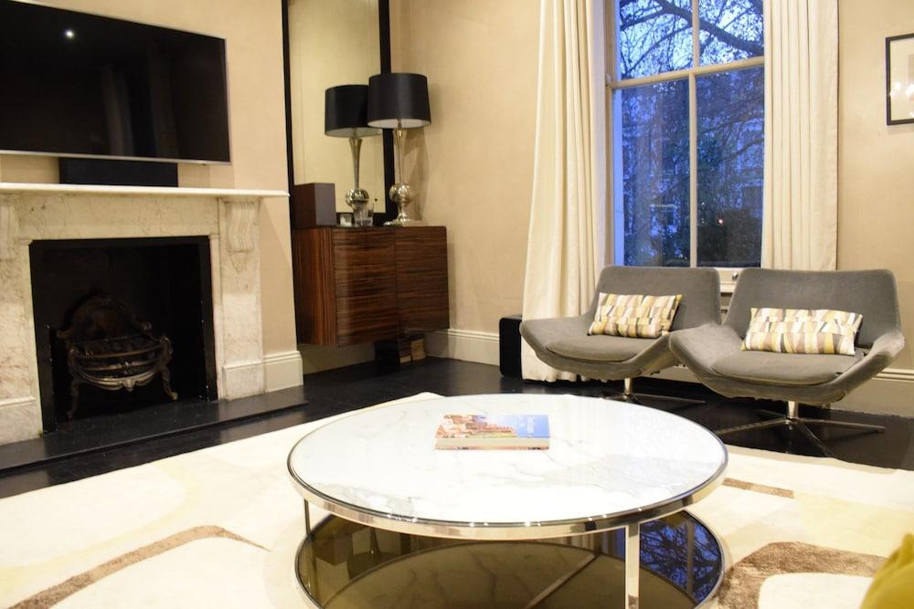 3 Bedroom Apartment in Kensington