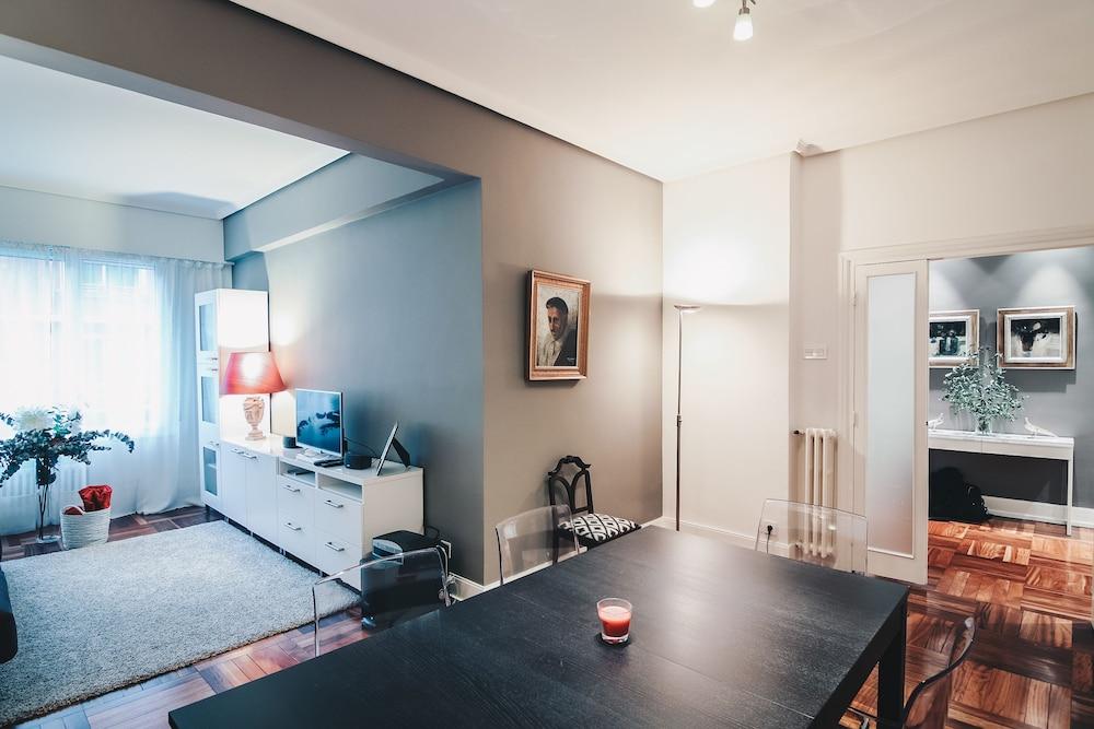 Ibarrola Apartment by People Rentals