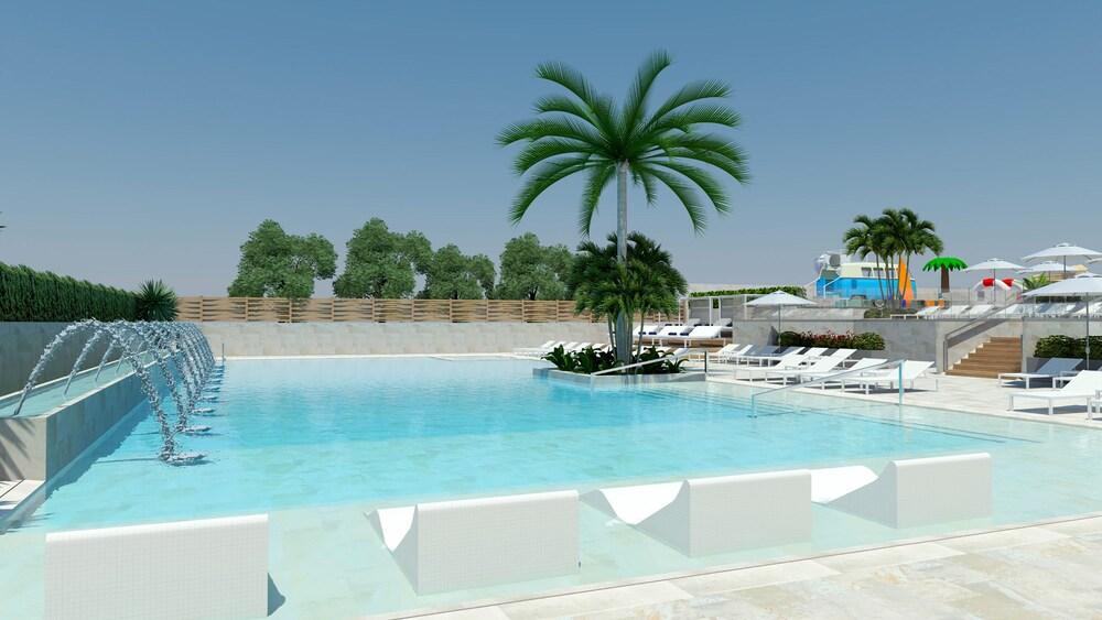L'Azure Hotel