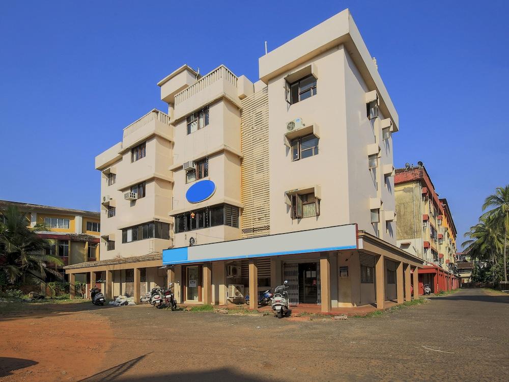 OYO 9518 Hotel Aqua Mira