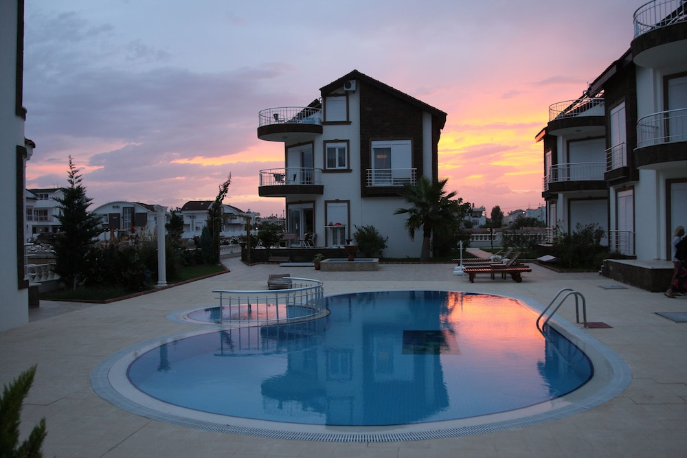 Luxury 4 Bedroom Detached Villa