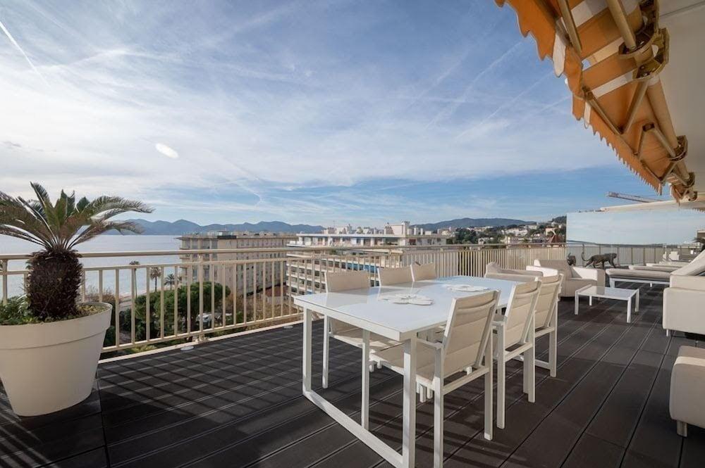 Luxury Penthouse Mistral