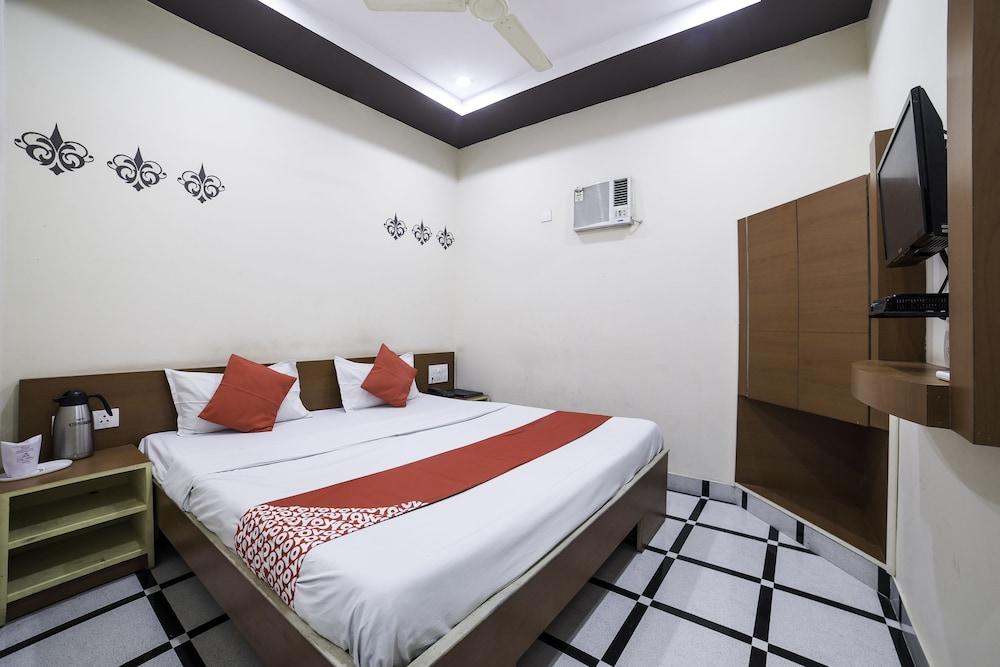 OYO 27803 Hotel Raj Mahal