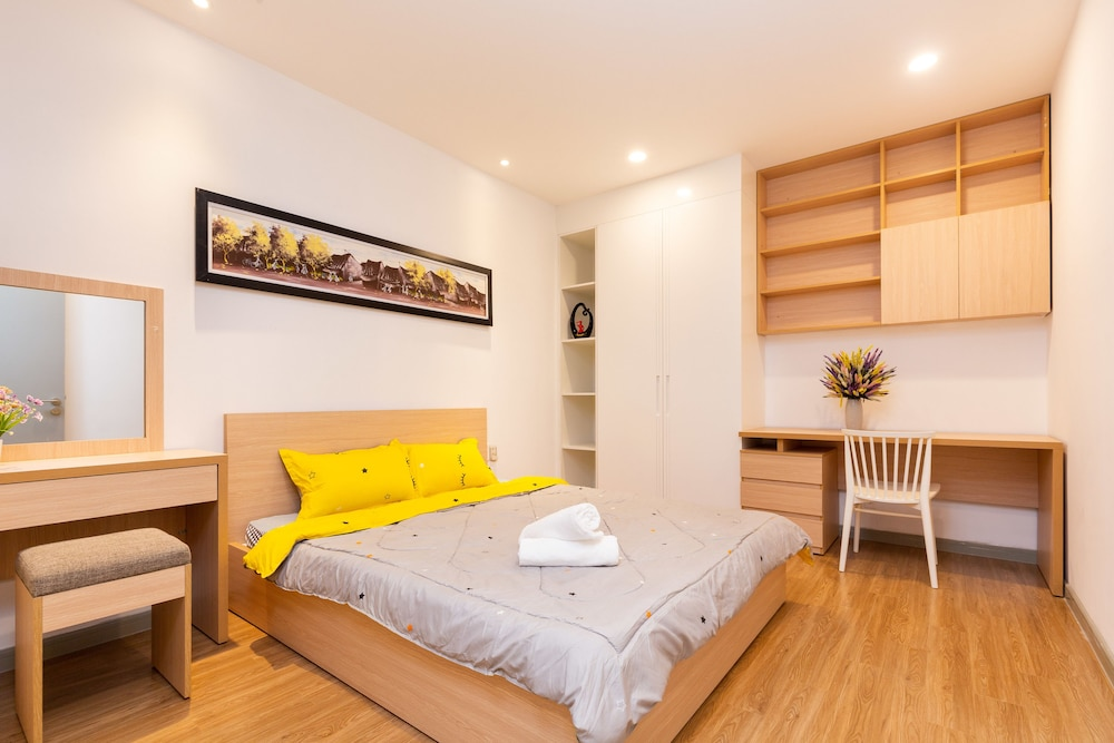 Mino Lee Apartment