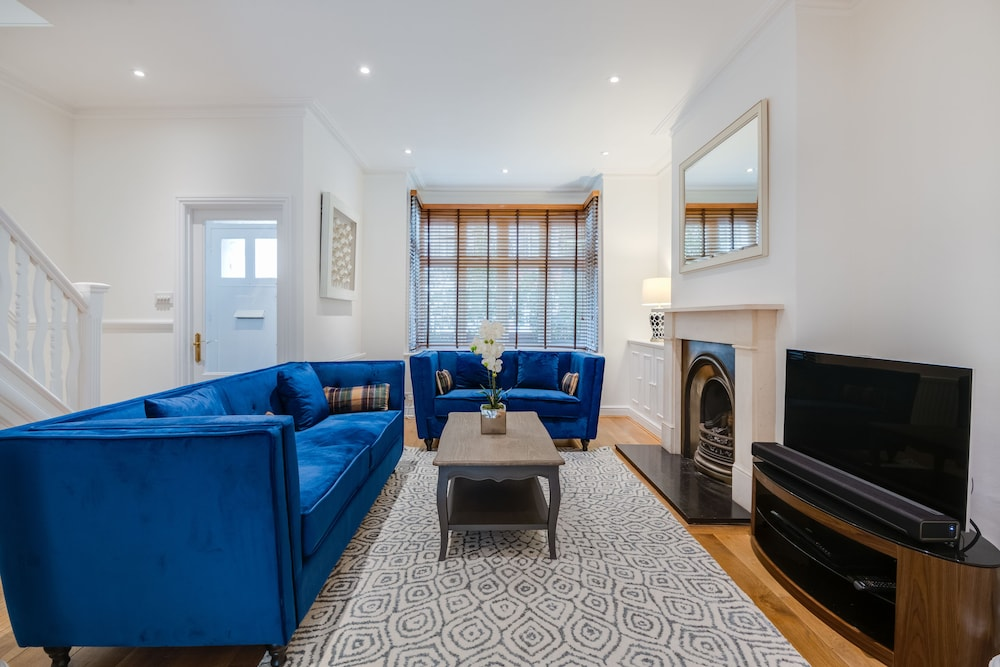 Heavenly Hammersmith Home by the River Thames