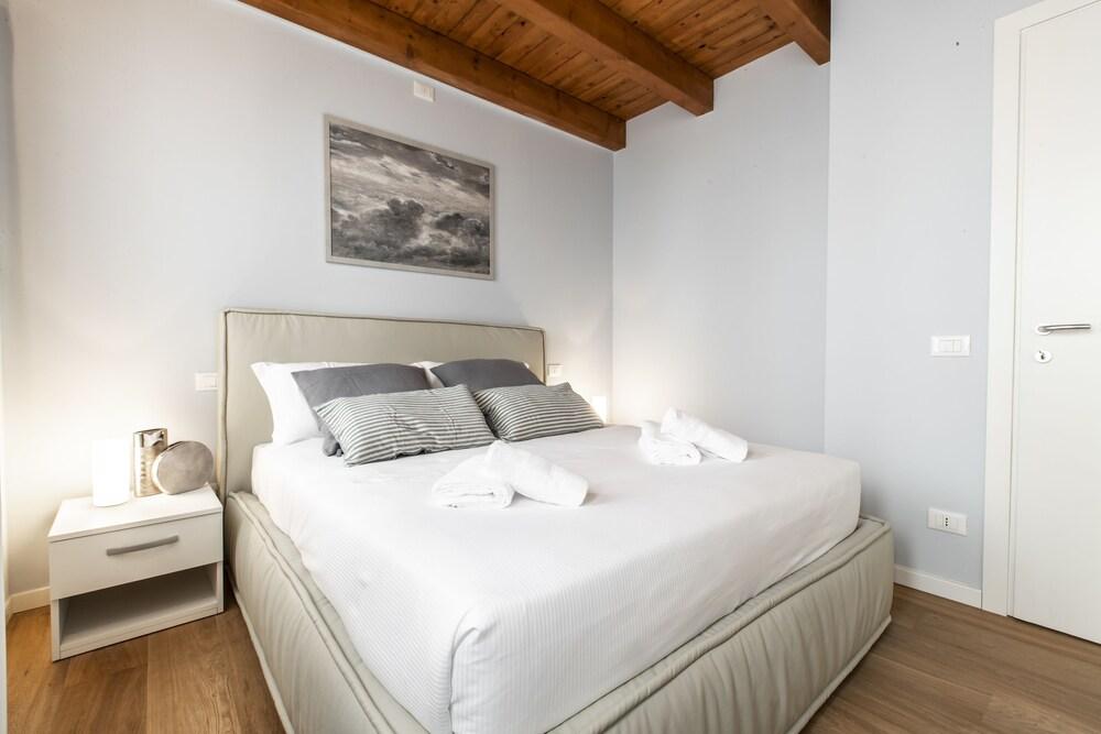 Venetian Dream Apartment R&R