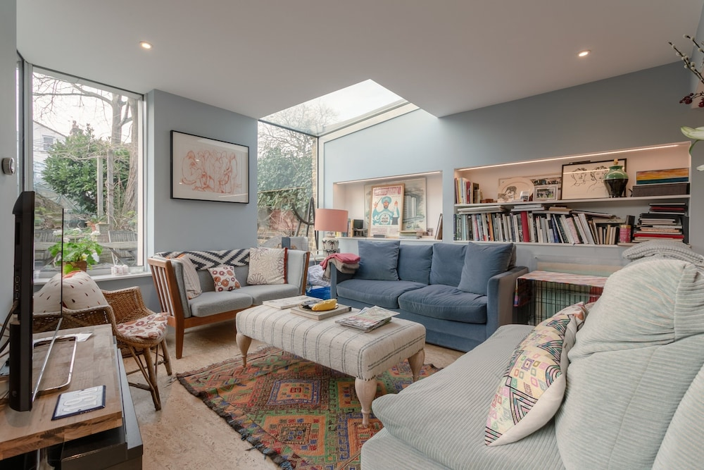 Stunning Flat in West London With a Garden