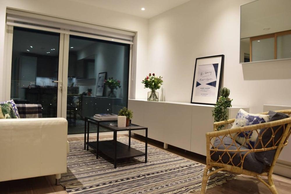 Luxury Studio Flat in Hammersmith