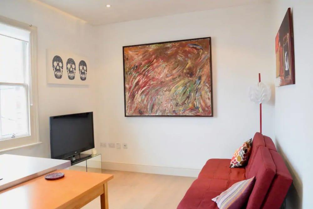 Cosy 1 Bedroom Apartment in Shepherds Bush