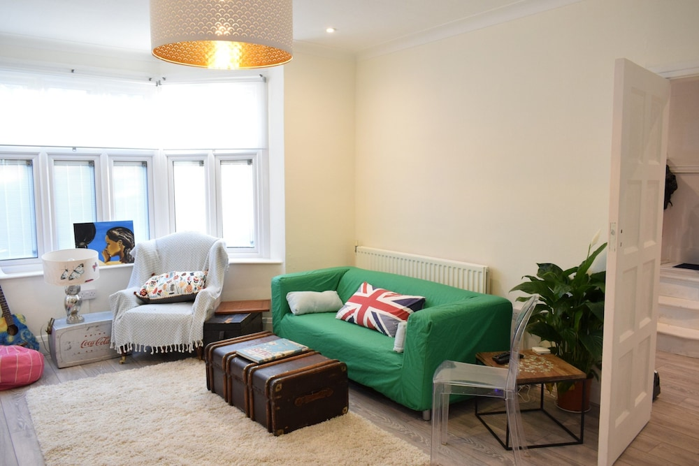 Spacious and Stylish 3 Bedroom Family House