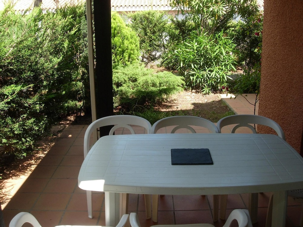 House With 2 Bedrooms in Agde, With Furnished Garden