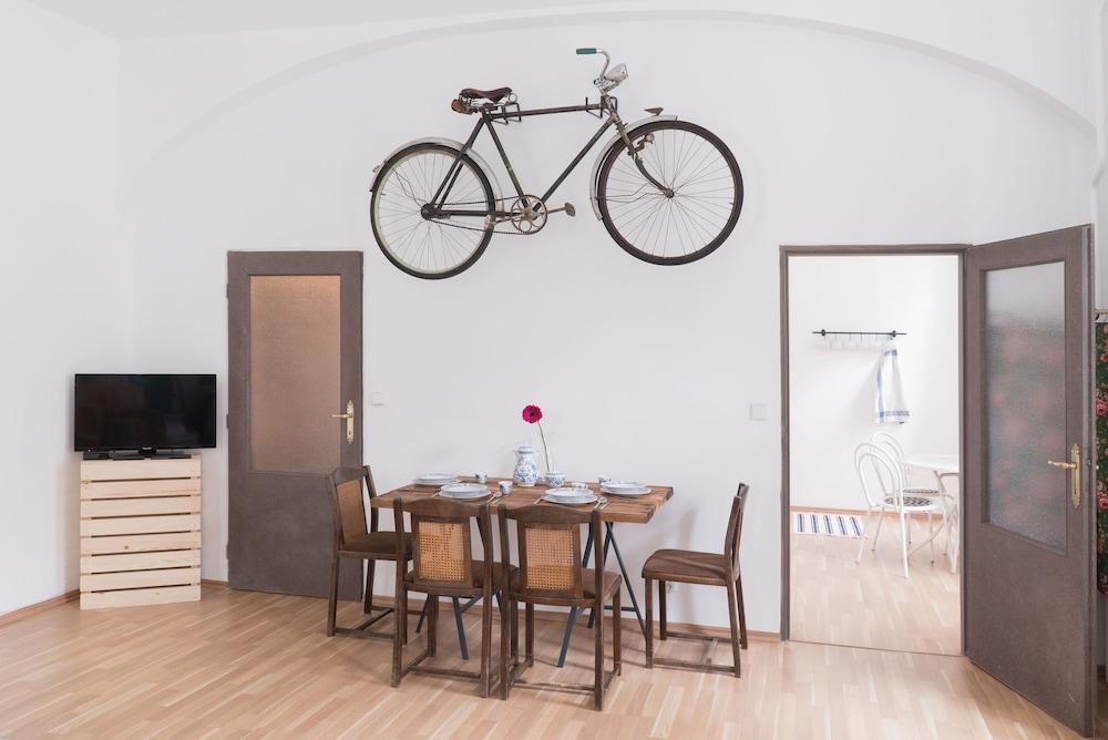Charming Apartment Prague