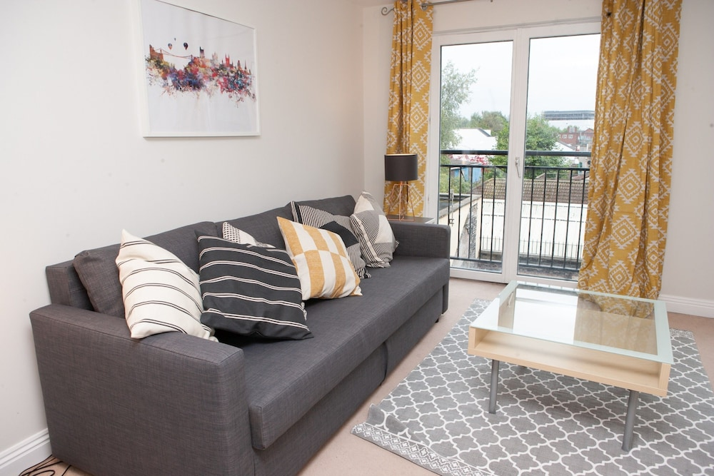 Lovely 1 Bedroom Apartment in Central Bristol